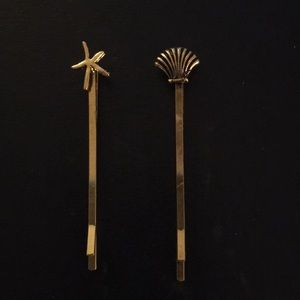Shell and starfish hair pins
